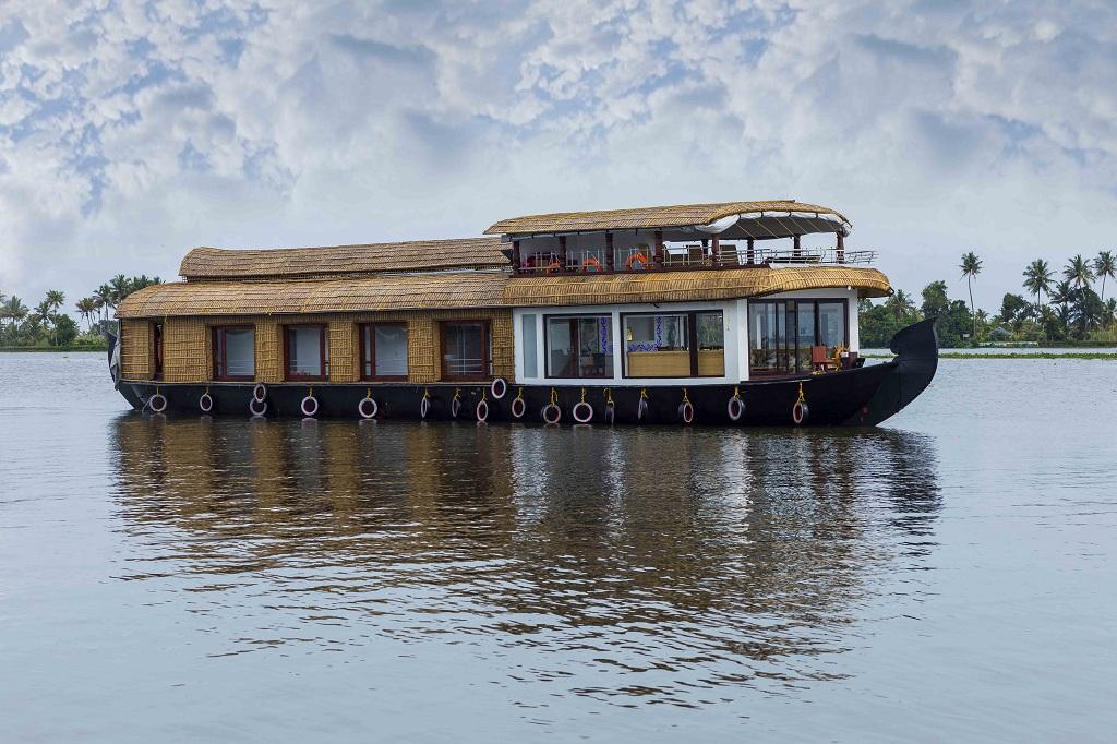 Palazhi Luxury Houseboat