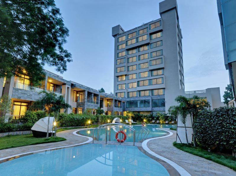 Boulevard9 Luxurious Resort