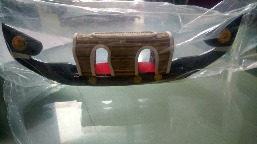houseboat model